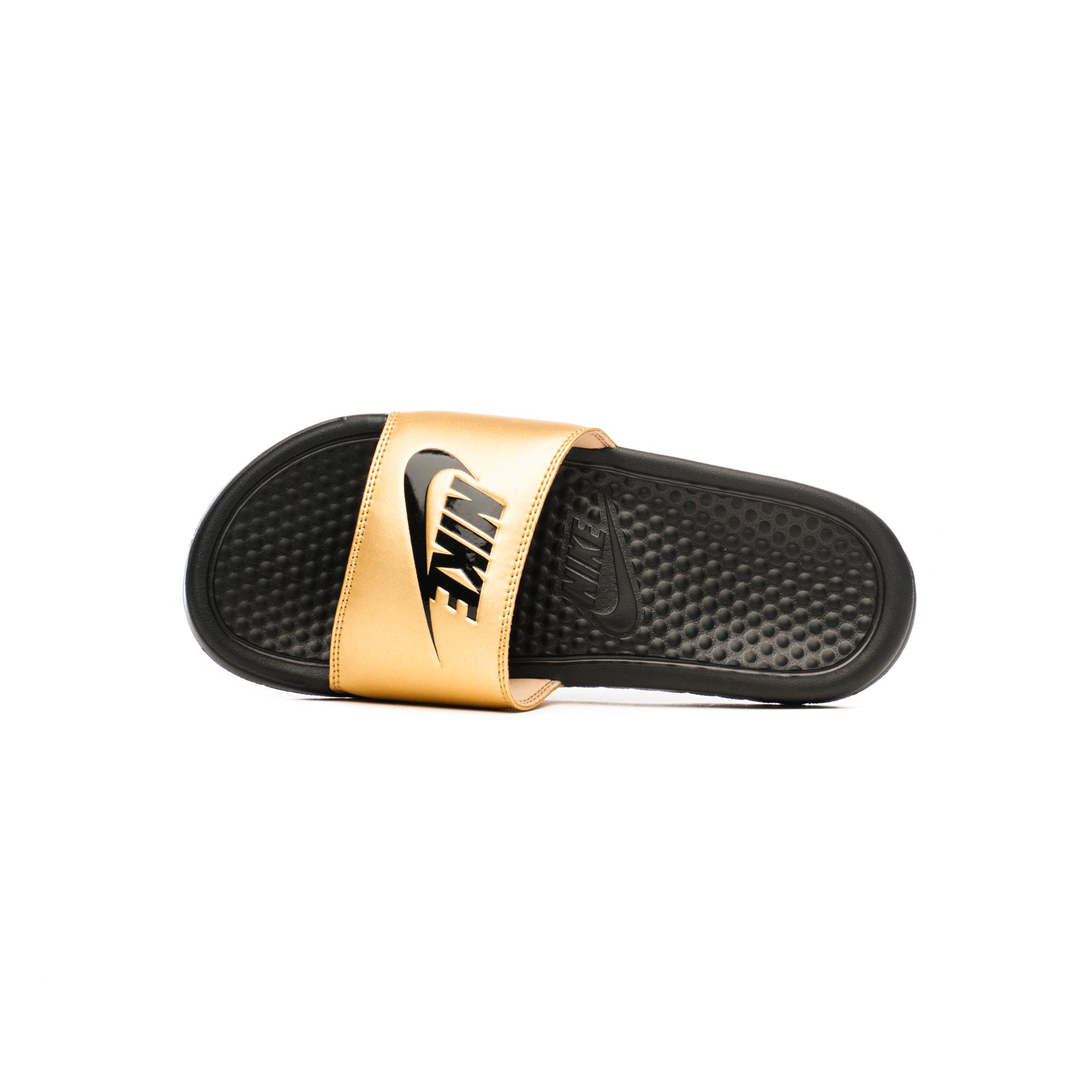 Шльопанці жіночі Nike BENASSI JDI