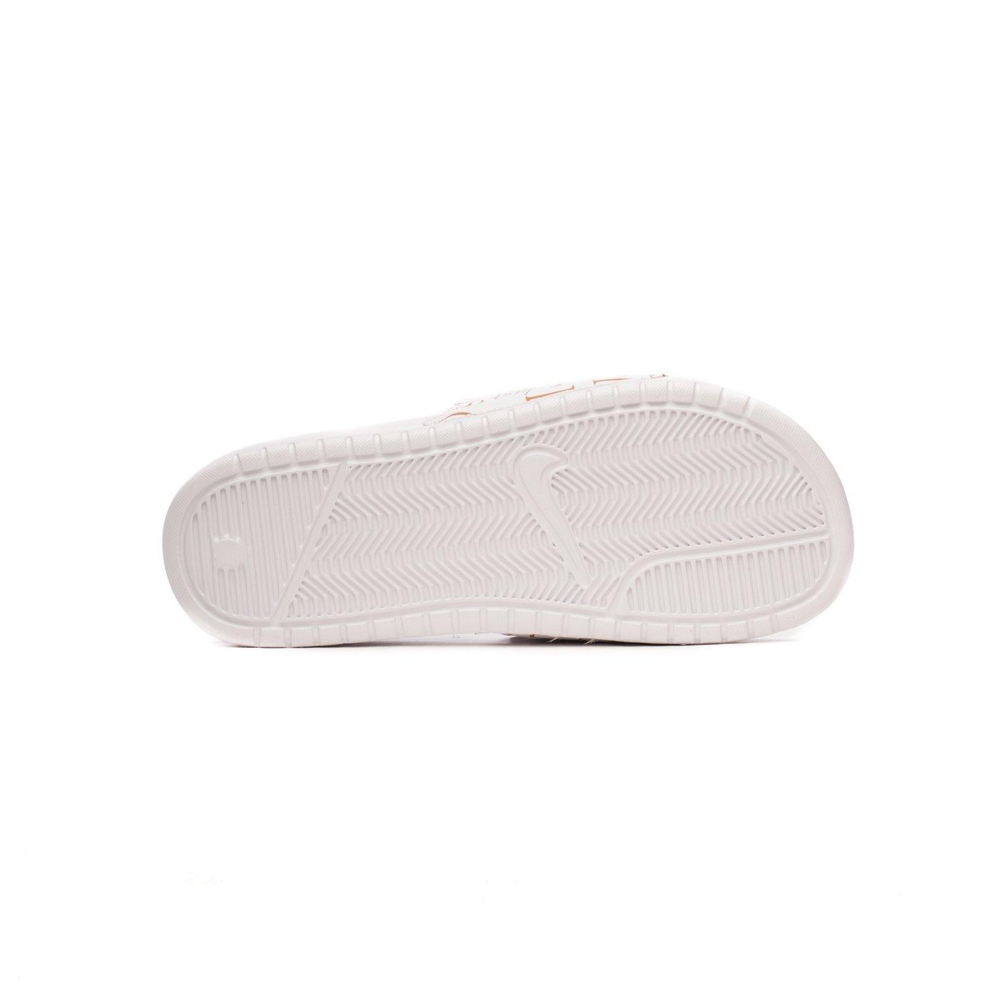 Шльопанці Nike