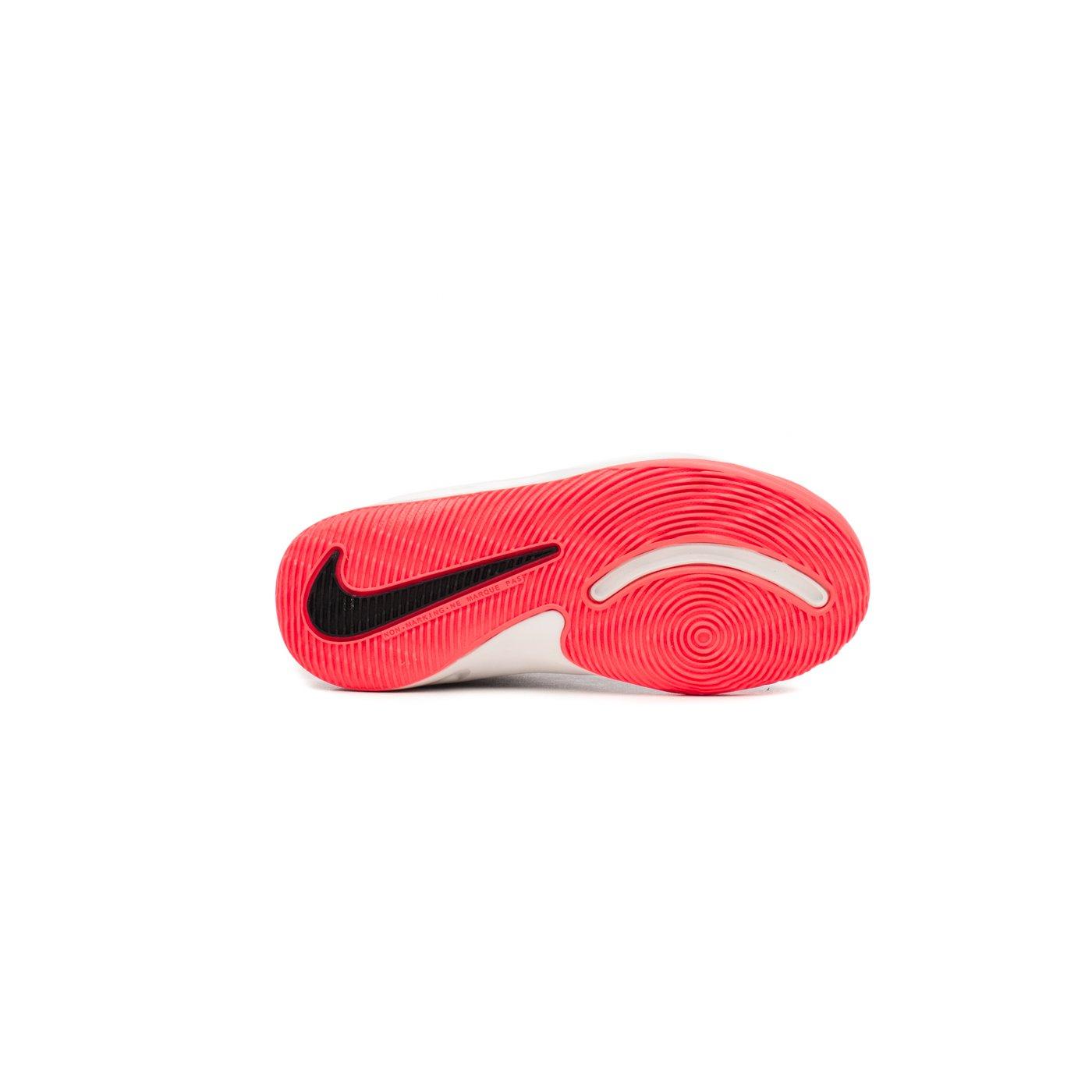 Кросівки чоловічі Nike TEAM HUSTLE