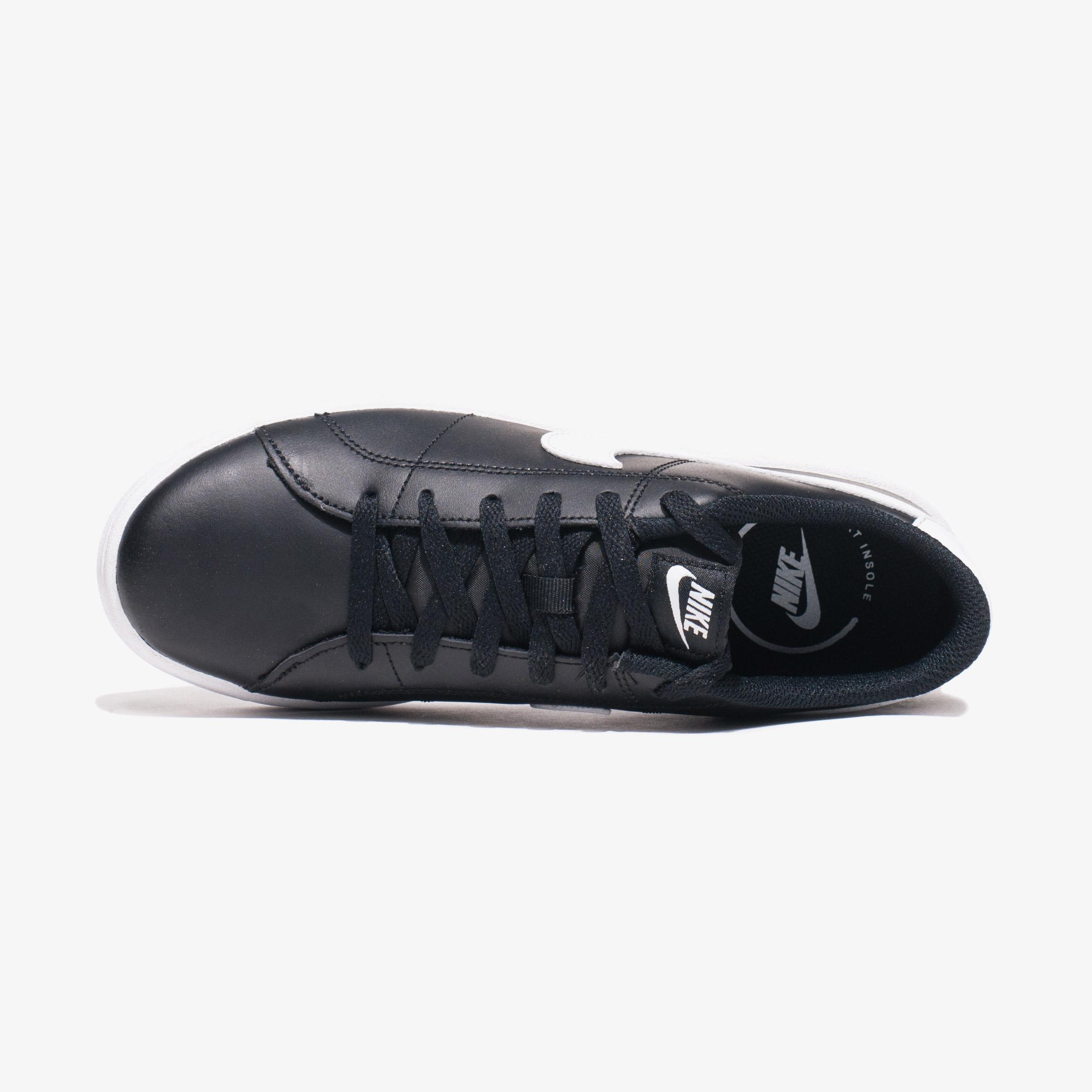 Кросівки жіночі Nike COURT ROYALE 2