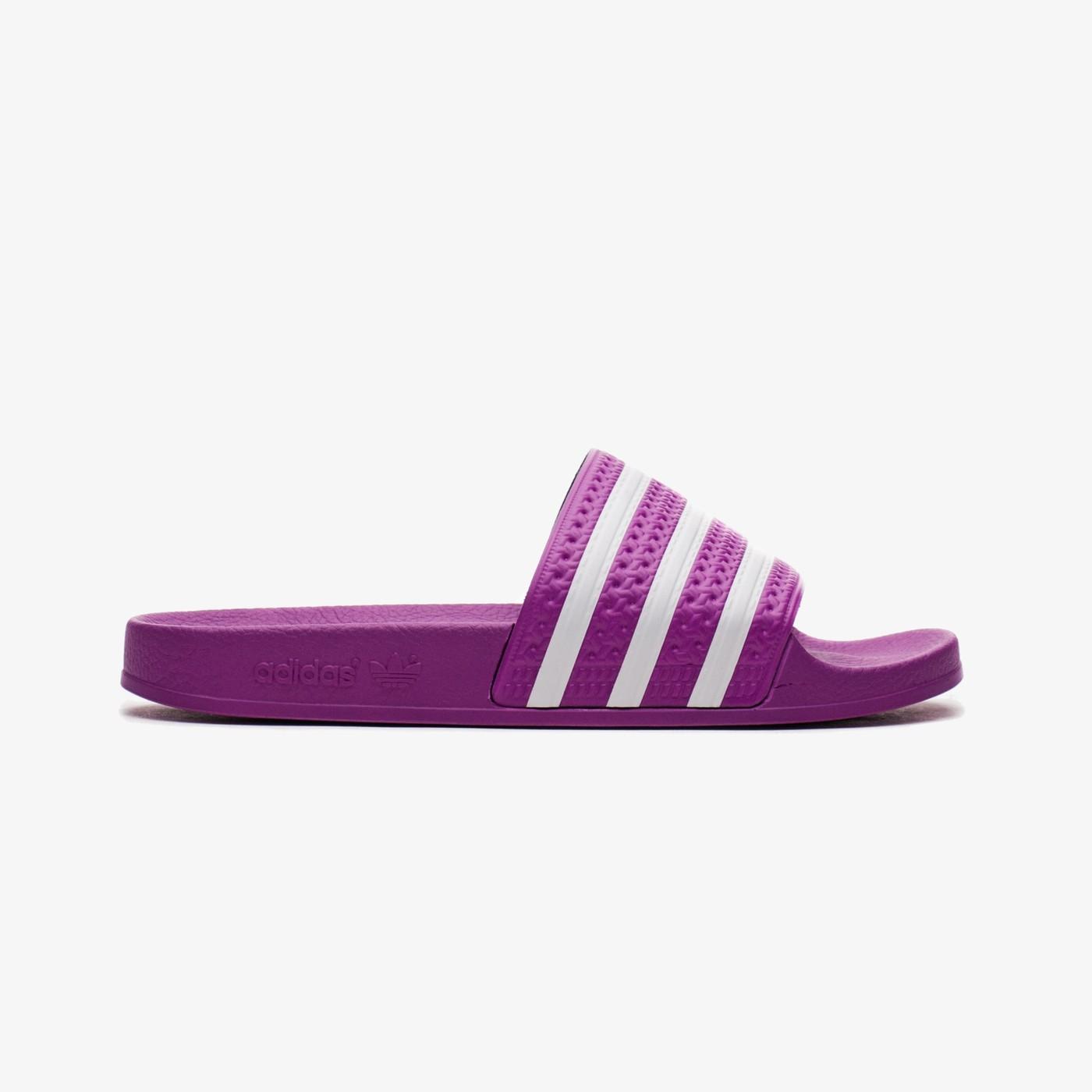 Шльопанці жіночі Adidas ADILETTE