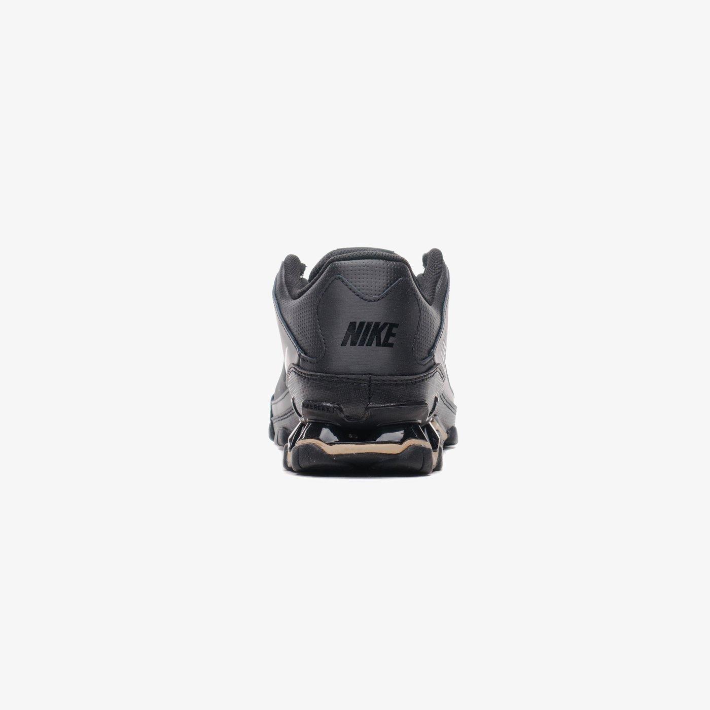 Кросівки чоловічі Nike REAX 8 TR MESH